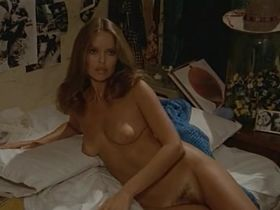 Барбара Бах голая - Невезучий папарацци (1977) #6