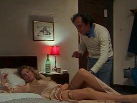 Элизабет Тернер голая - Докторша под простыней (1976) #1