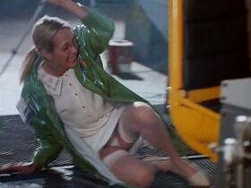 Шерри Роуз секси - Черный скорпион 2: В эпицентре взрыва (1996) #1