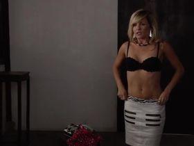 Линдси Горт секси - Дневники Кэрри s02e03 (2013) #6