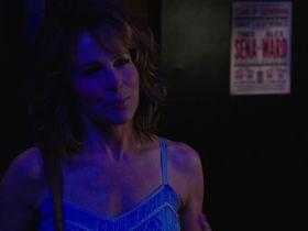 Дженнифер Грей секси, Бет Стеллинг секси - Красные дубы s02e06 (2016) #2