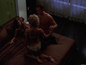 Келли Карлсон секси, Рона Митра секси - Части тела s03e01 (2005) #6