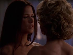 Келли Карлсон секси, Рона Митра секси - Части тела s03e01 (2005) #7
