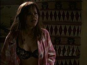 Рози Перес секси - Вдовы (2002)