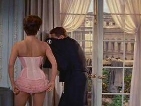 Джоан Коллинз секси - Собирайтесь вокруг флага, ребята! (1958) #2