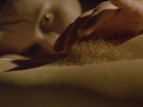 Клотильда Куро голая - Почти спокойный мир (2002)