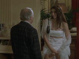 Клотильда Куро секси - Бригада по-французски (2002) #1