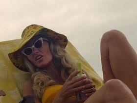 Ребекка Гэйхарт секси - Однажды в... Голливуде (2019) #1