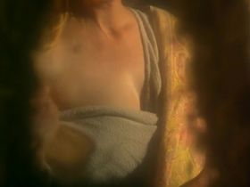 Шелли Дювалл секси - Сумерки ледяных нимф (1997)