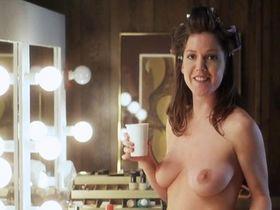 Кира Рид Лорш голая - Американская девственница (2000)