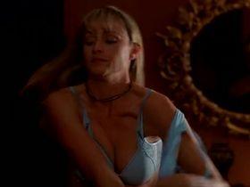 Дженнифер О'Делл секси - Вампиры: Возрождение древнего рода (2006) #2