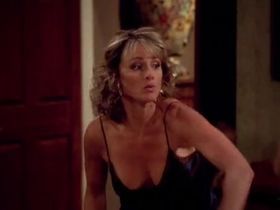 Дженнифер О'Делл секси - Два с половиной человека s05e02 (2007) #9