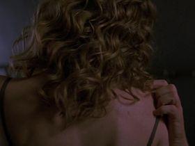 Сюзанна Томпсон секси - Стрекоза (2002) #1