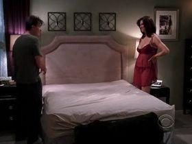 Дженнифер Бини Тейлор секси - Два с половиной человека s06e08 (2008) #7
