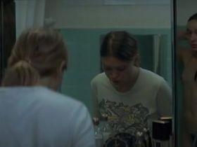 Анаис Демустье голая - Прекрасная заноза (2010)