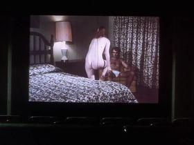 Кэтрин Бах голая - Грязное дело (1975)