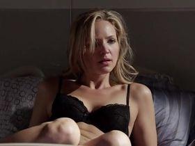 Джордана Спиро секси - Доктор мафии s01e03 (2012)