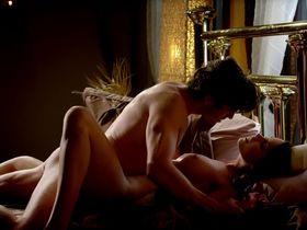 Кристин Донлон голая - Роковые красотки s01e03 (2011)