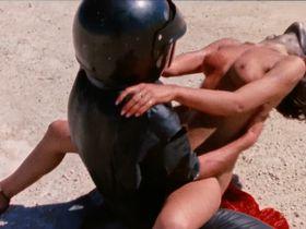 Кайли Фостер голая, Бренда Ноулз голая - Девушка с центрального разворота (1981)