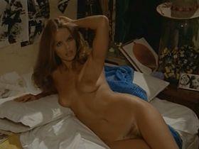 Барбара Бах голая, Mangalika Di Tyadura голая - Невезучий папарацци (1977)