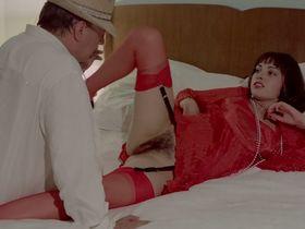 Лина Ромай голая, Мартин Стедил голая - Голые марионетки в подполье (1975) #22