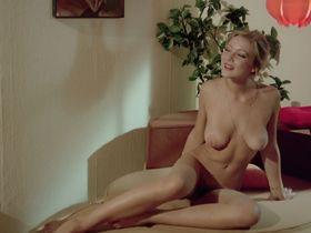 Лина Ромай голая, Мартин Стедил голая - Голые марионетки в подполье (1975) #26