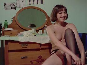 Лина Ромай голая, Мартин Стедил голая - Голые марионетки в подполье (1975) #7