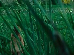 Паскаль Бюссьер голая, Валери Блэйн голая - Болота (2011) #5
