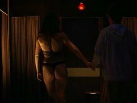 Паскаль Бюссьер голая, Валери Блэйн голая - Болота (2011) #8