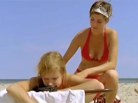 Маргрит Зарториус секси, Ким Шнитцер голая - В твоей шкуре (2008)