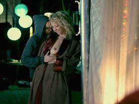 Тэмми Джин голая, Эрика Линн голая - Апокалиптический поцелуй (2014) #8
