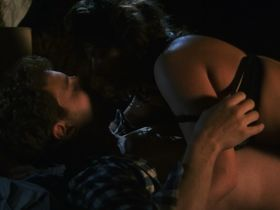 Dawn Laurrie секси, Конни Снайдер секси - Во власти демона (1993) #2