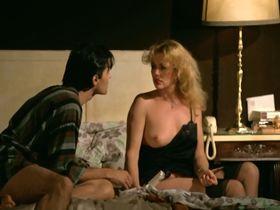 Марина Хедман голая, Хелен Ширли голая, Селена Маркиз голая - Бисексуальная шведка нуждается в оплодотворении (1982) #33