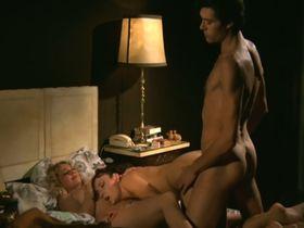 Марина Хедман голая, Хелен Ширли голая, Селена Маркиз голая - Бисексуальная шведка нуждается в оплодотворении (1982) #36