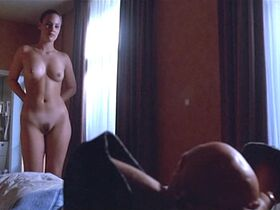 Жюли Форнье голая - Всё спокойно (2000)