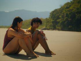 Ванеза Оливейра секси, Аманда Магалхаес секси, Таис Лаго секси - Три процента s04e01 (2020) #12