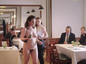 Анна Гризебах голая - Die unsichtbare Frau (2019) #8