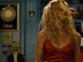 Надир Казелли голая, Джулия Греко секси, Микаэла Рамаццотти секси - Стоя в раю (2012) #15