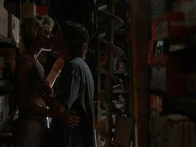 Кейт Вернон голая, Криста Бриджес секси - Кровные узы (1995) #11