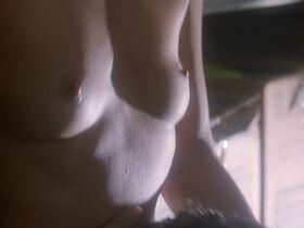 Кейт Вернон голая, Криста Бриджес секси - Кровные узы (1995) #15