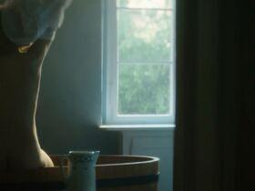 Каролина Грушка голая - Мария Кюри (2016) #8