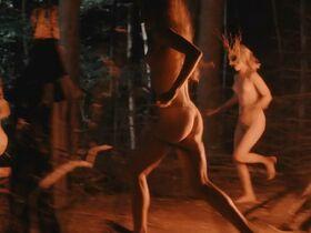 Стиви Линн Джонс секси - Зло пускает корни (2020) #16
