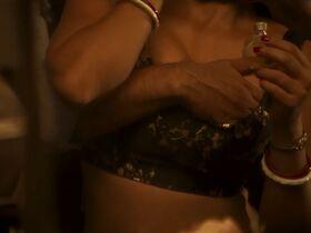 Шахана Госвами голая - Подходящий жених s01e01-02 (2020) #3