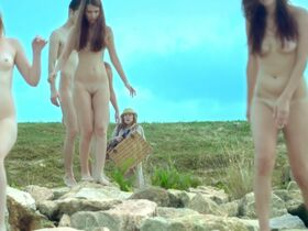 Tanya Wedel голая, Leni Speidel голая - Voyage (2013) #10