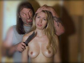 Анджела Барахас голая, Хелен Уди секси - Зло у меня под кожей (2019) #18