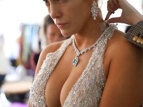 Дженнифер Лопес секси - Fashion Moments (2019) #12