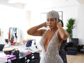 Дженнифер Лопес секси - Fashion Moments (2019) #13