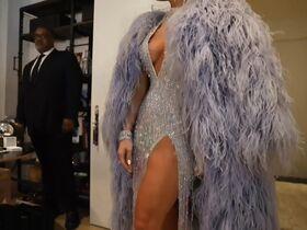 Дженнифер Лопес секси - Fashion Moments (2019) #15