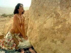Ор Атика голая - Поворот налево в конце света (2004) #15