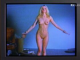 Дженнифер Ульрих голая, Каролина Херфурт голая - Большие девочки не плачут (2002)